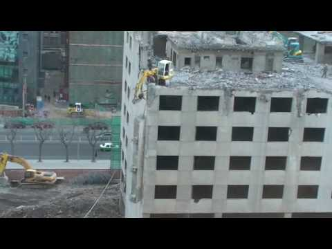 How Not To Demolish an Office Building
